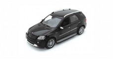 Mercedes ML63 AMG W164 Black 1:43 Minichamps 400037670